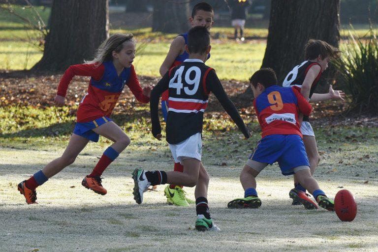 2017 U10-3 R10 Roman tackle